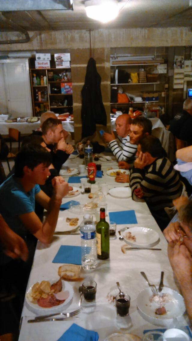 Repas par les demi finaliste du chpt de France Dsc_0022