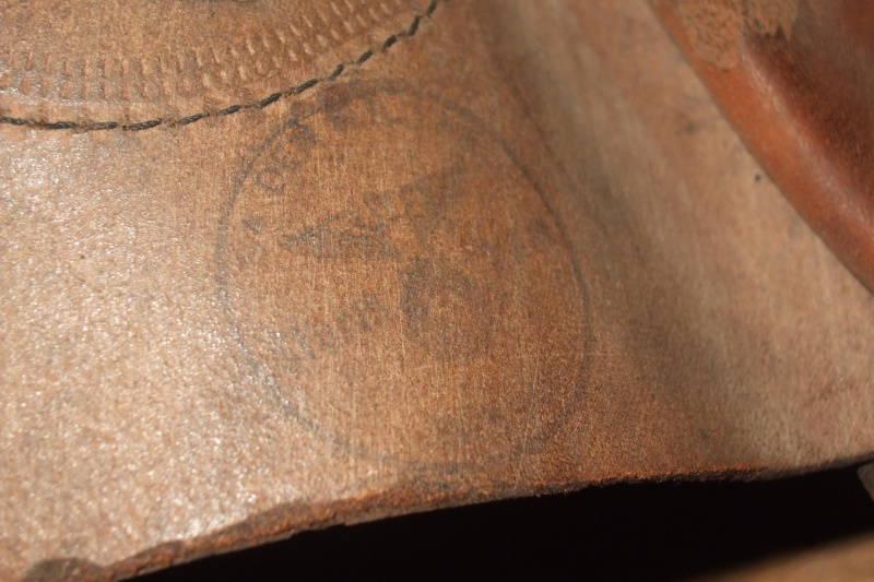 casque moto cuir identification Photo140