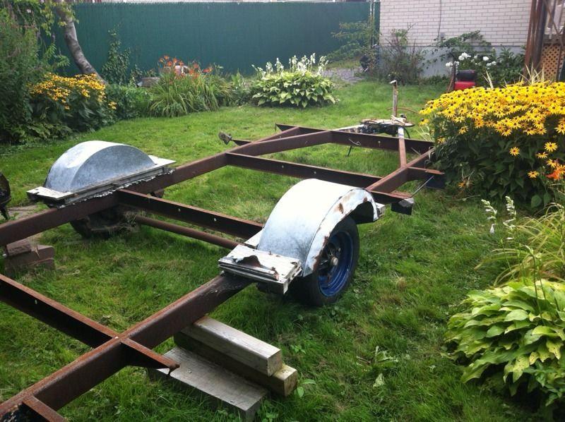 VENDU - Frame ou chassis de trailer  $250.00 Traile11