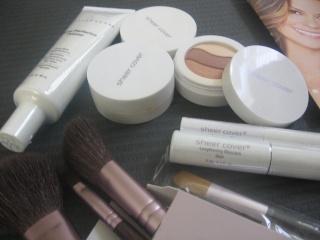 Sheer Cover Studio Make-up Kit Review 00110