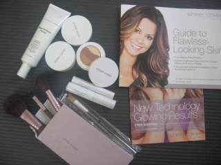 Sheer Cover Studio Make-up Kit Review 00410