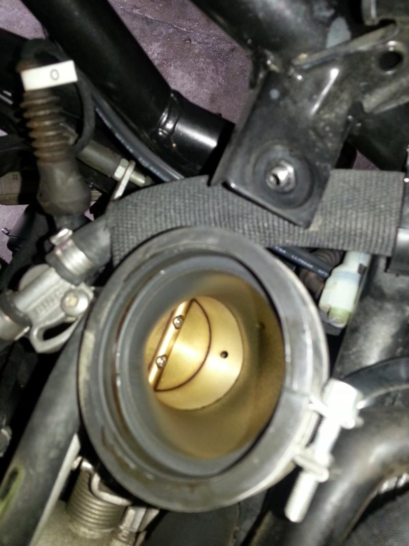 [TUTO] Demonter/Remonter/Changer sa boite à air 20140737