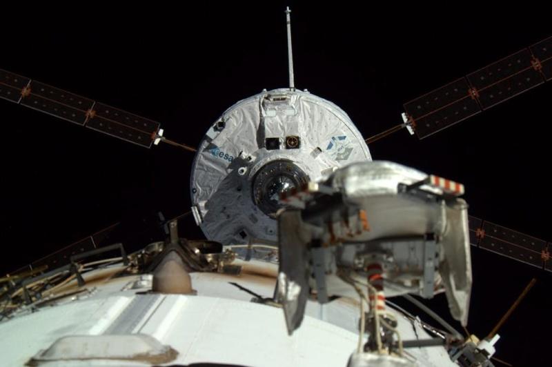 "Lancement Ariane 5 - VA219 / ATV-5 ""Georges Lemaître"" - 29 juillet 2014 - Page 5 Atv-5-10"