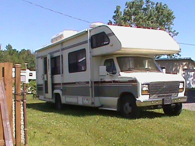 VENDU - Motorisé Classe C Ford 1989 Vr89-510