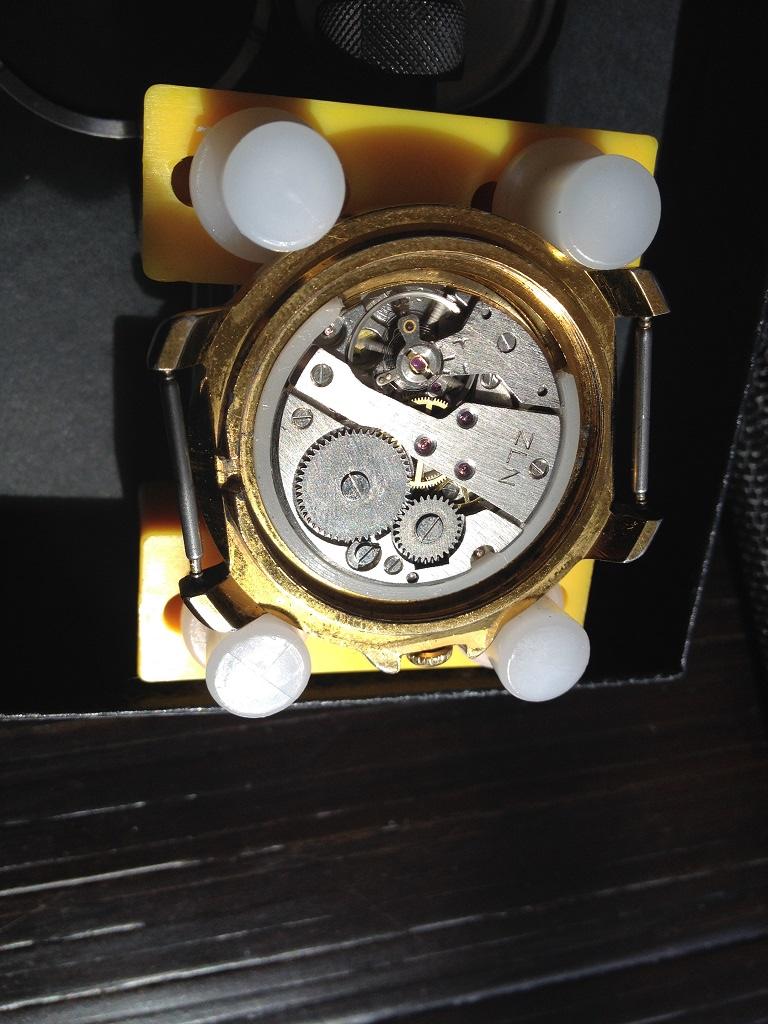 vulcain - [Postez ICI vos demandes d'IDENTIFICATION et RENSEIGNEMENTS de vos montres] - Page 8 Vostok10