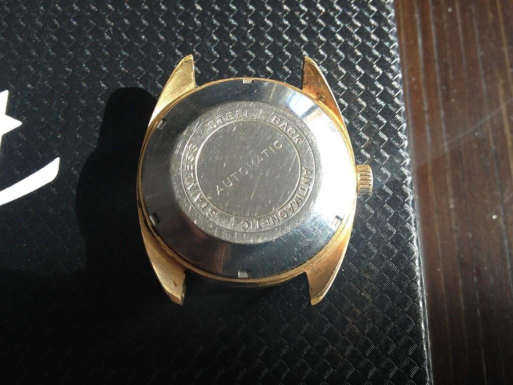 vulcain - [Postez ICI vos demandes d'IDENTIFICATION et RENSEIGNEMENTS de vos montres] - Page 8 Vuille11
