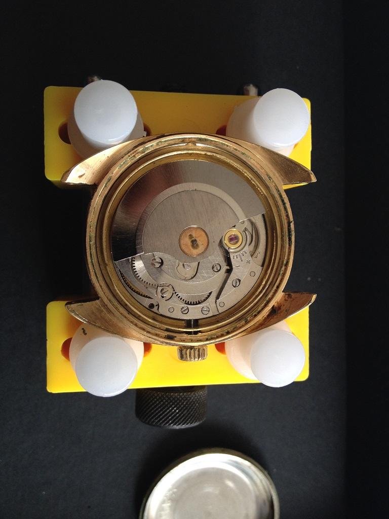vulcain - [Postez ICI vos demandes d'IDENTIFICATION et RENSEIGNEMENTS de vos montres] - Page 8 Vuille13