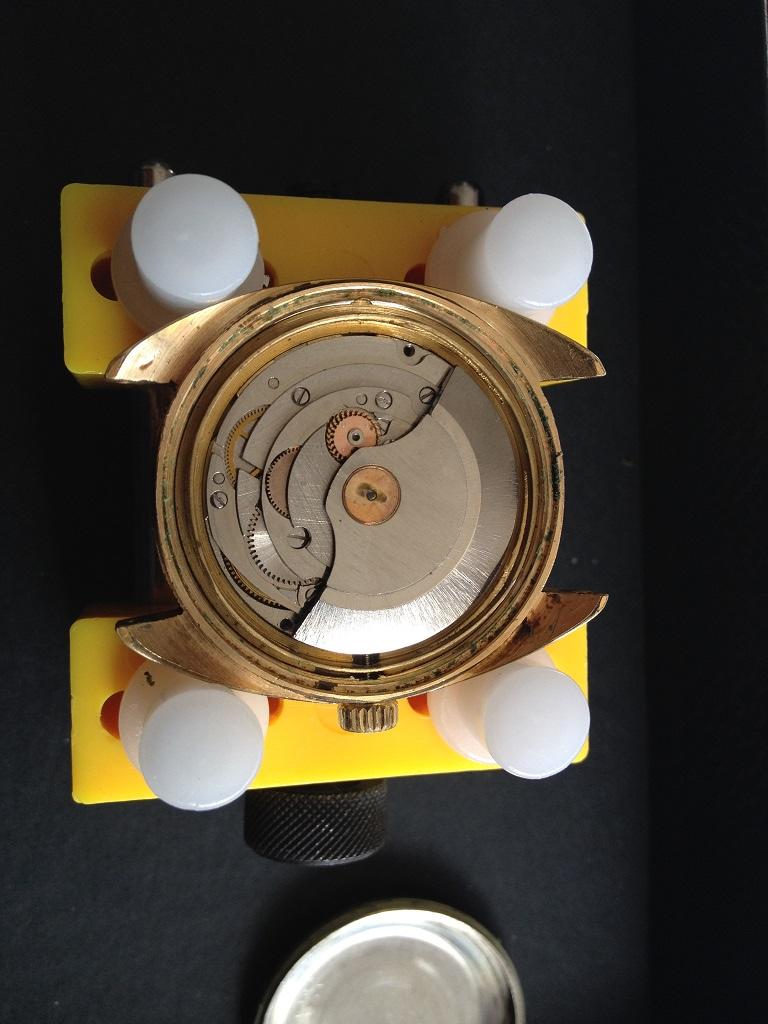 vulcain - [Postez ICI vos demandes d'IDENTIFICATION et RENSEIGNEMENTS de vos montres] - Page 8 Vuille14