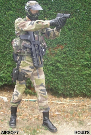 C'est moi en tenue Debout16