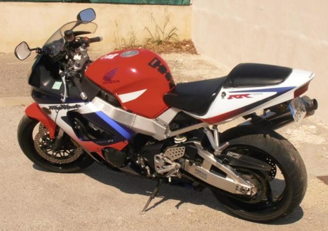 HONDA CBR RR 1000 Honda10