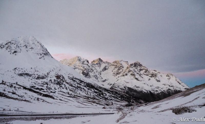 Paysages de montagne au lever du jour!!!! Pc100012