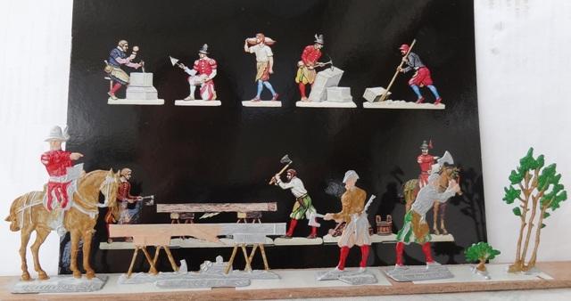 Zimmerleute beim Kirchenbau, Zinn, 30mm Figuren Dsc06322