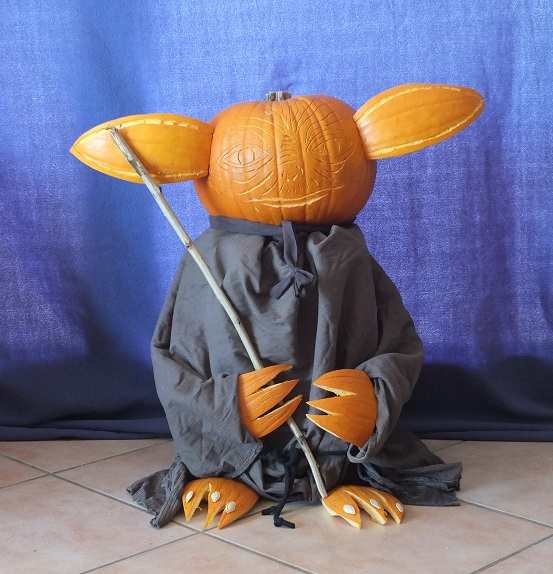 """The 2nd Annual """" TIG STAR WARS PUMPKIN CARVING CONTEST """" begins ... - Page 3 Pumpki10"""