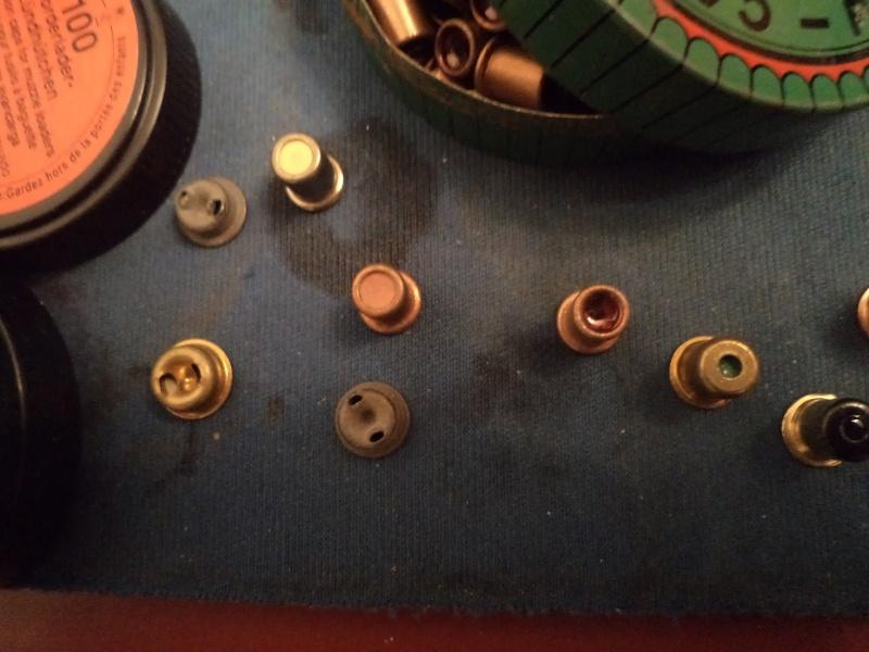 petit topo sur les poudres et amorces Dsc02032