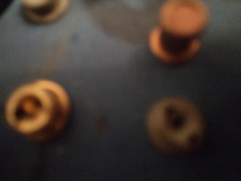 petit topo sur les poudres et amorces Dsc02033