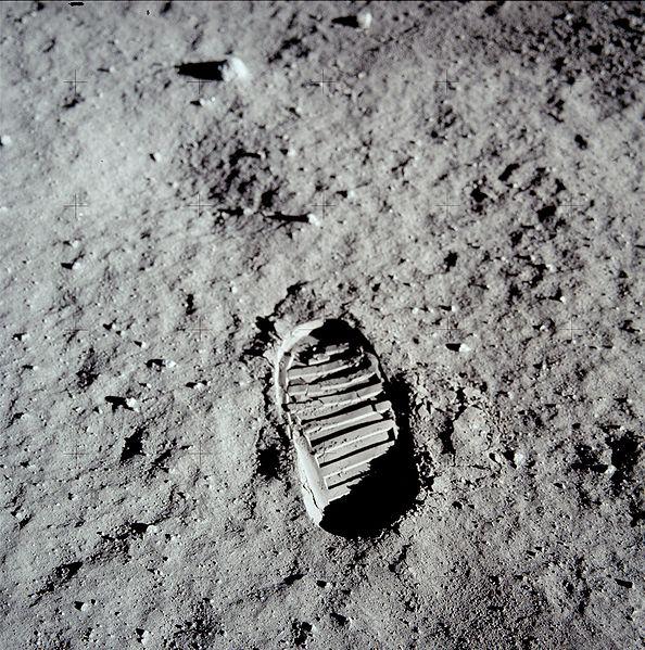 Bon anniversaire Apollo 11 Pied10