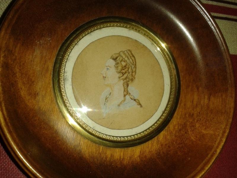 """Michèle Lorin : """"Marie-Antoinette, ma collection particulière """" - Page 2 De_col10"""