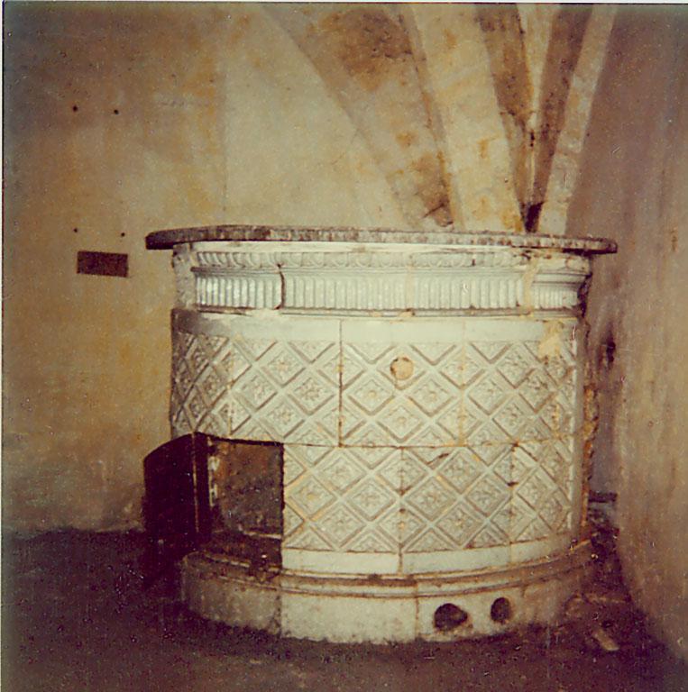 Plans et aménagements du donjon du Temple : la grande tour, la petite tour Poele_10