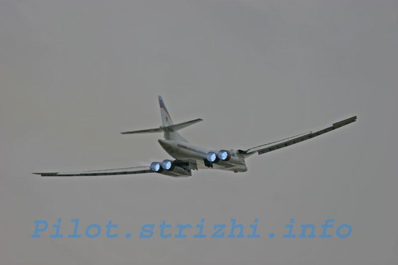 Tu-160 and Tu-95MS ( Blackjack and Bears ) - Page 5 Img_9610