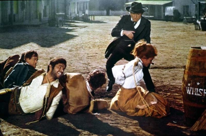 Le Juge - La loi à l'ouest du Pécos - 1971 - Frederico Chentrens - Jean Girault - Page 2 01526911