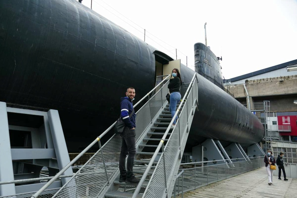 [Les Musées en rapport avec la Marine] Sous-Marin  Flore - Page 20 00828