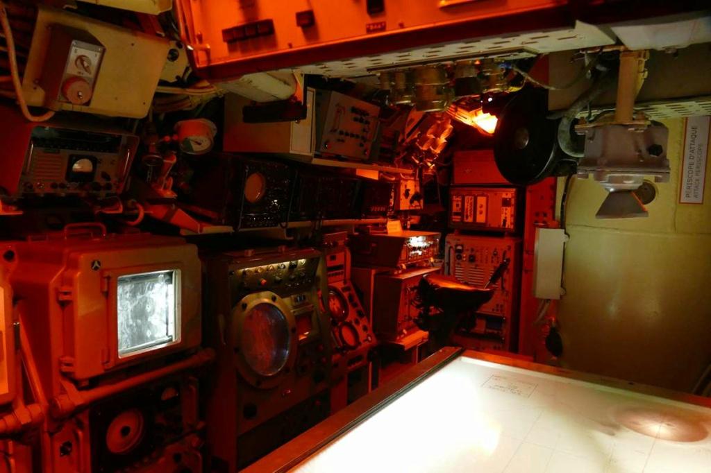 [Les Musées en rapport avec la Marine] Sous-Marin  Flore - Page 20 01726