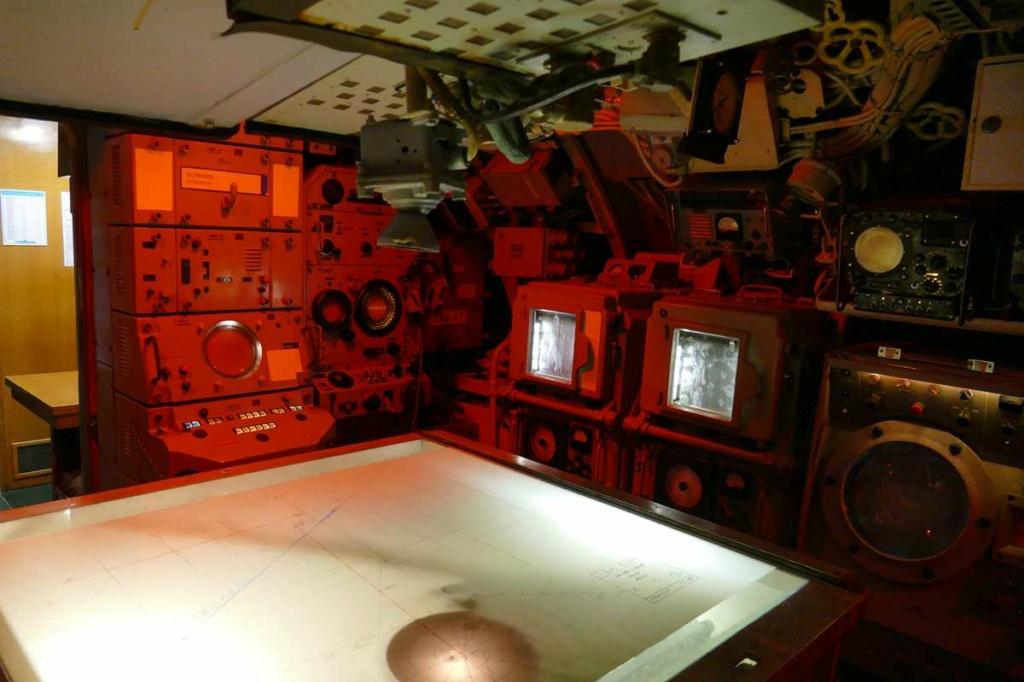 [Les Musées en rapport avec la Marine] Sous-Marin  Flore - Page 20 01928