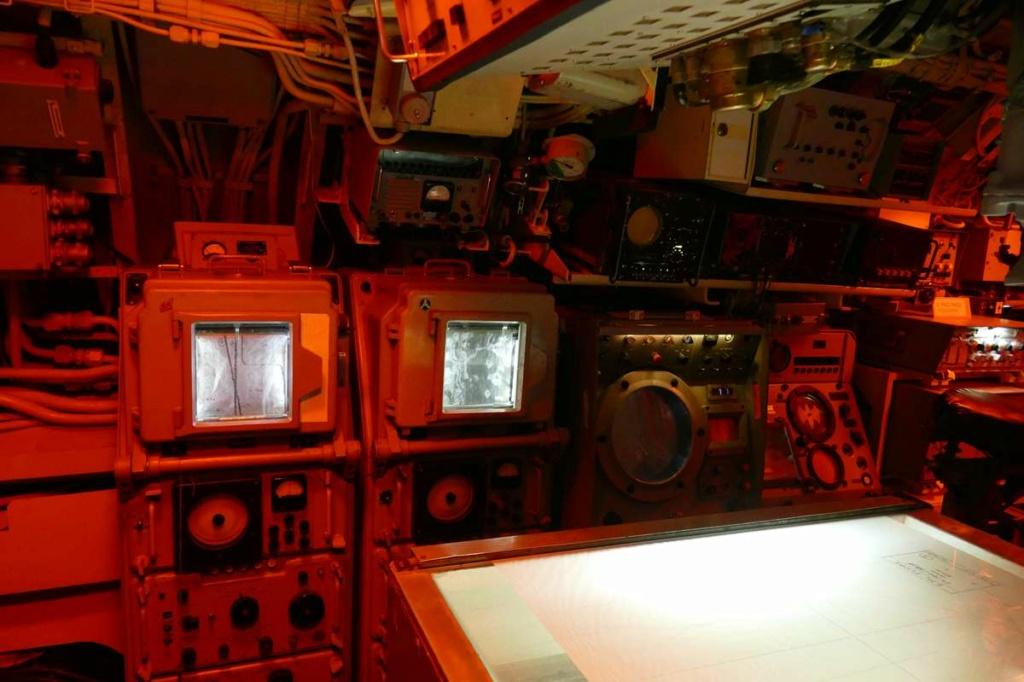 [Les Musées en rapport avec la Marine] Sous-Marin  Flore - Page 20 02128
