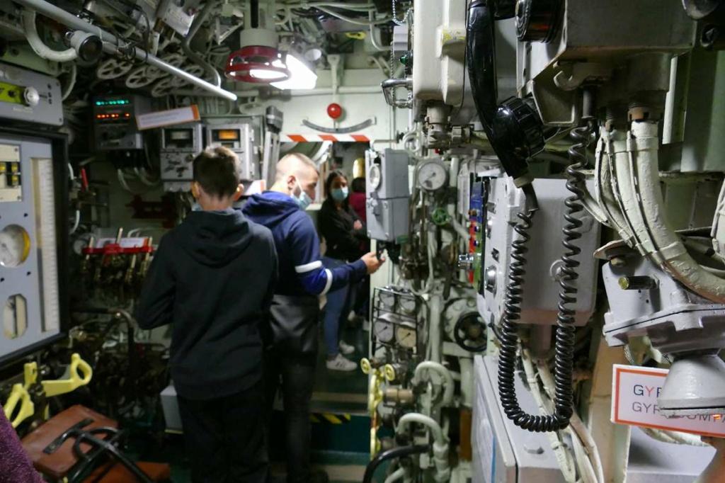 [Les Musées en rapport avec la Marine] Sous-Marin  Flore - Page 20 03525