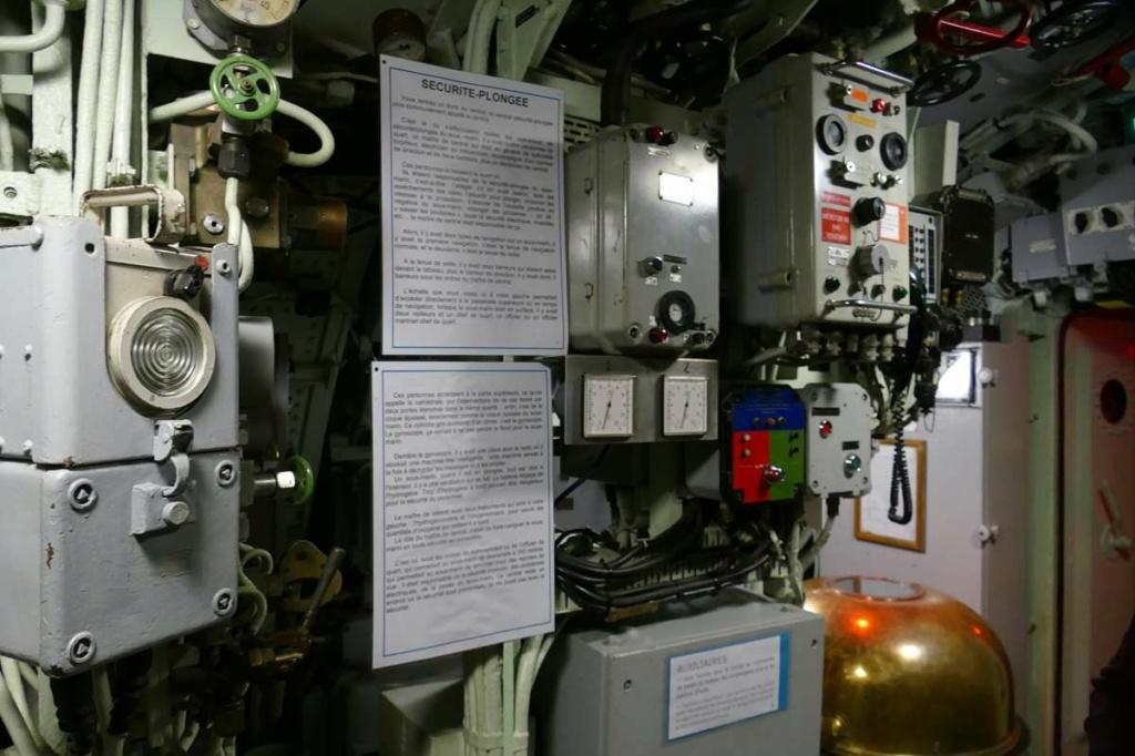 [Les Musées en rapport avec la Marine] Sous-Marin  Flore - Page 20 03926