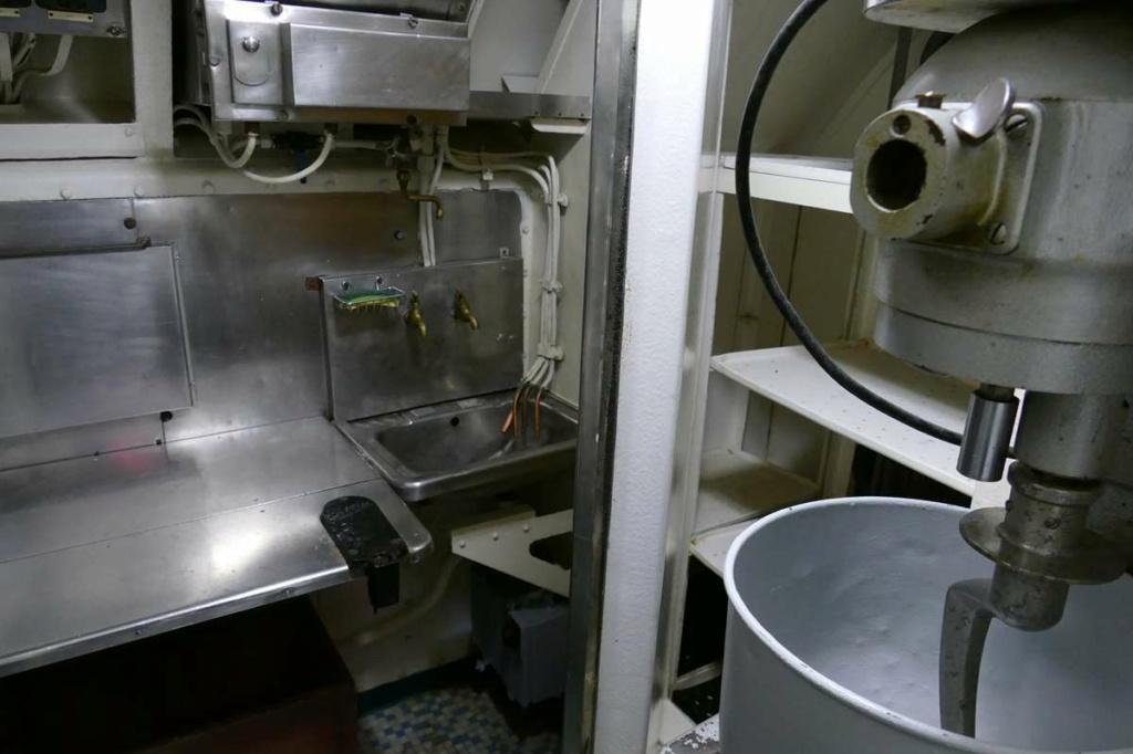 [Les Musées en rapport avec la Marine] Sous-Marin  Flore - Page 20 05528