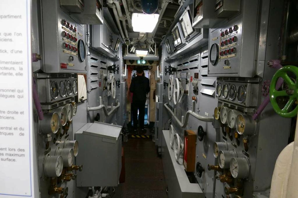 [Les Musées en rapport avec la Marine] Sous-Marin  Flore - Page 20 06326