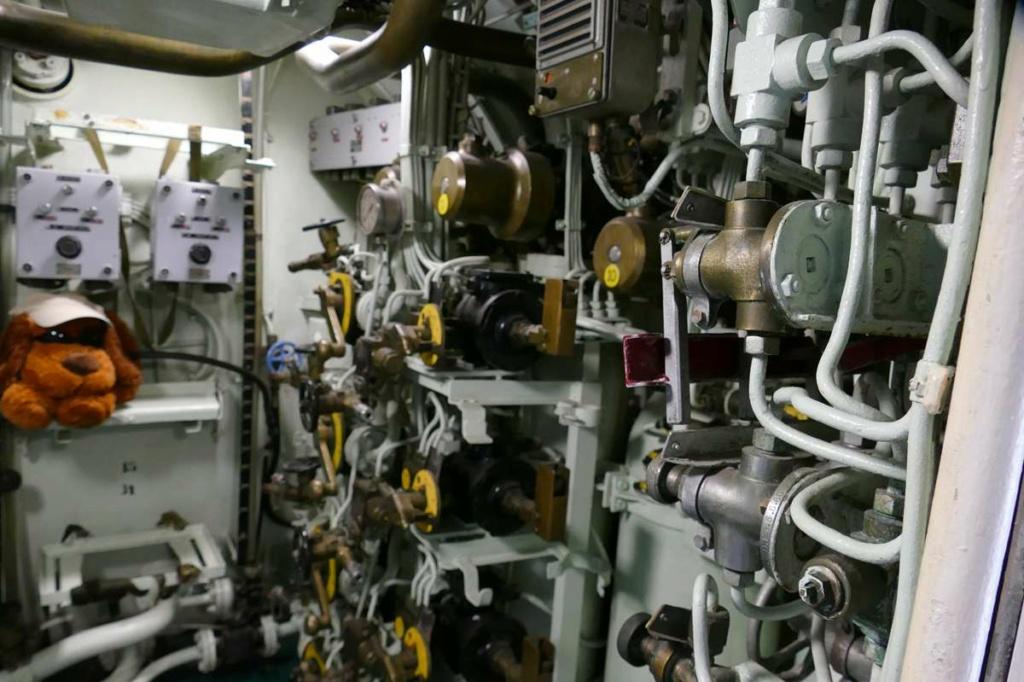 [Les Musées en rapport avec la Marine] Sous-Marin  Flore - Page 20 07924
