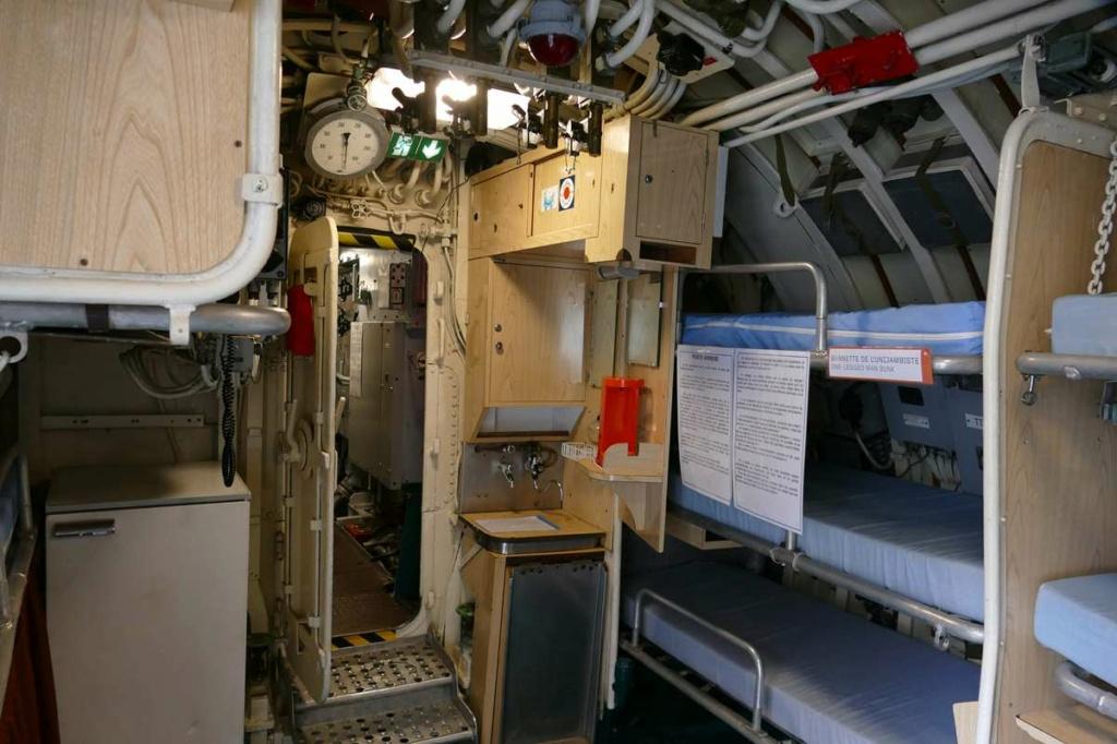 [Les Musées en rapport avec la Marine] Sous-Marin  Flore - Page 20 08327