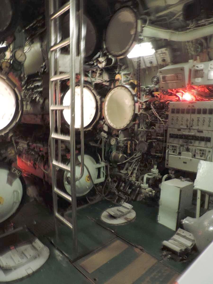 [ Les musées en rapport avec la Marine ] Sous-Marin Espadon (Saint-Nazaire). - Page 2 Dscn2754