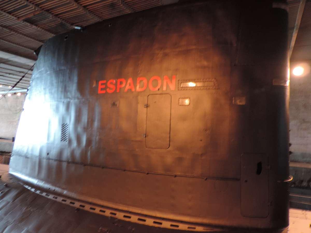 [ Les musées en rapport avec la Marine ] Sous-Marin Espadon (Saint-Nazaire). - Page 2 Dscn2764