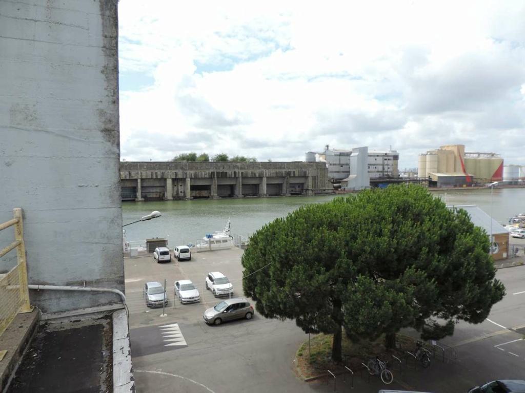 [Vie des ports] Port de Saint Nazaire - Page 8 Dscn2770