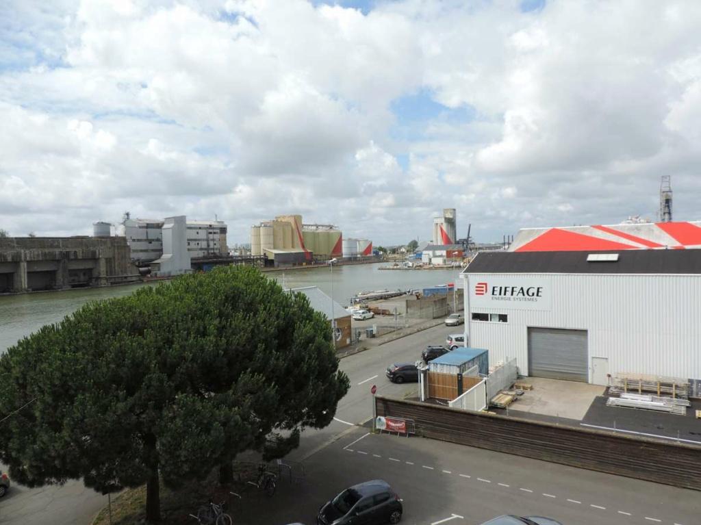 [Vie des ports] Port de Saint Nazaire - Page 8 Dscn2772