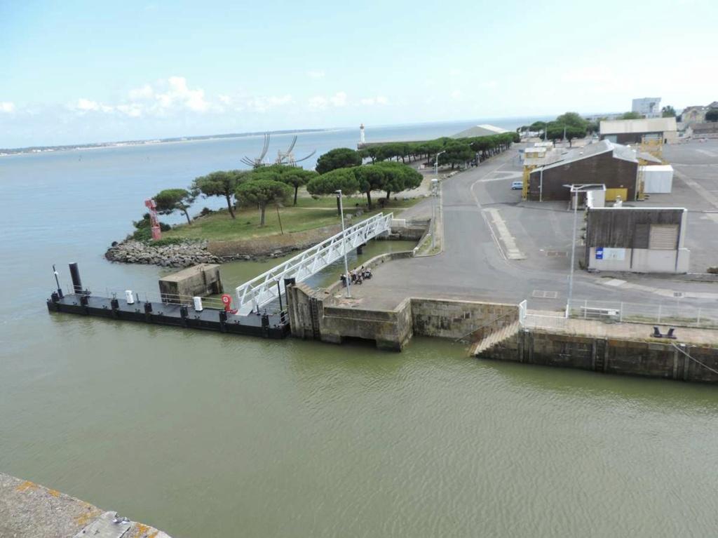 [Vie des ports] Port de Saint Nazaire - Page 8 Dscn2785
