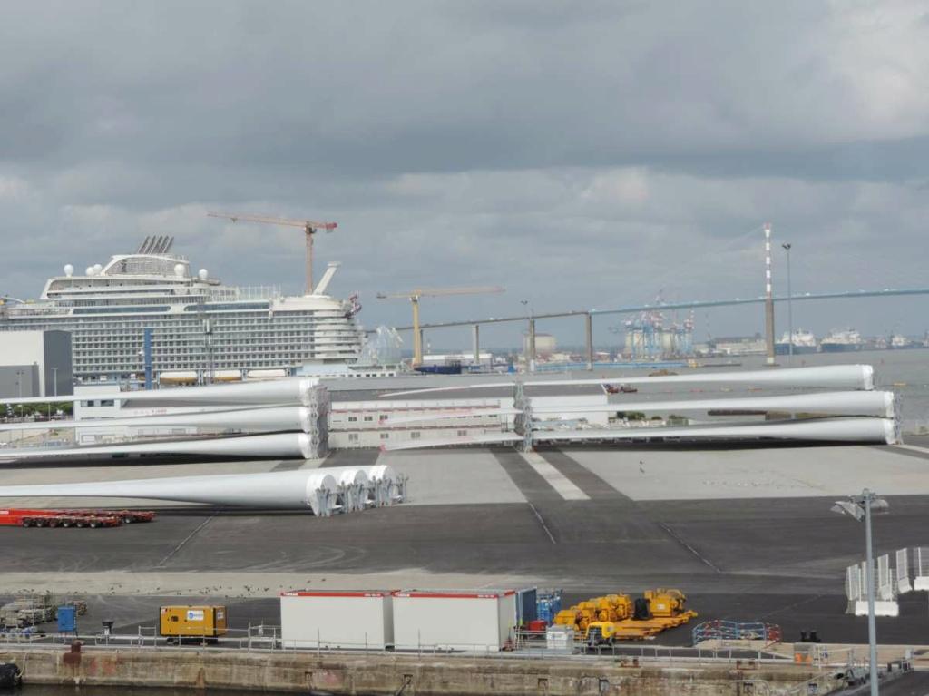 [Vie des ports] Port de Saint Nazaire - Page 8 Dscn2793
