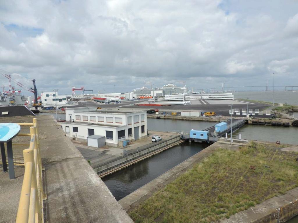 [Vie des ports] Port de Saint Nazaire - Page 8 Dscn2794