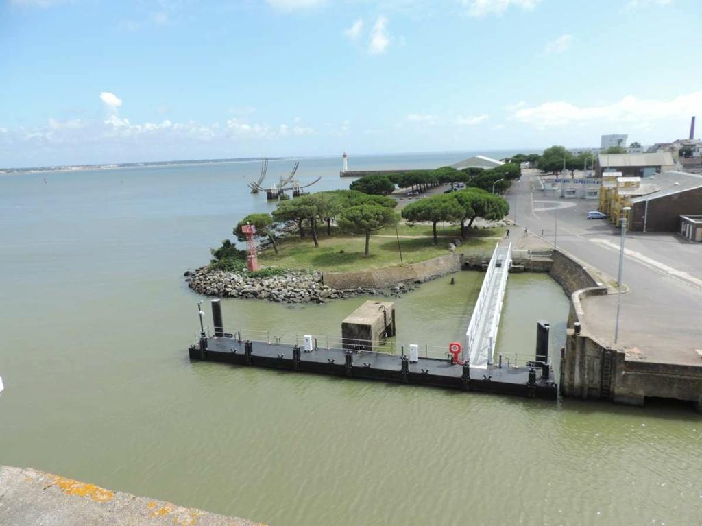 [Vie des ports] Port de Saint Nazaire - Page 8 Dscn2797