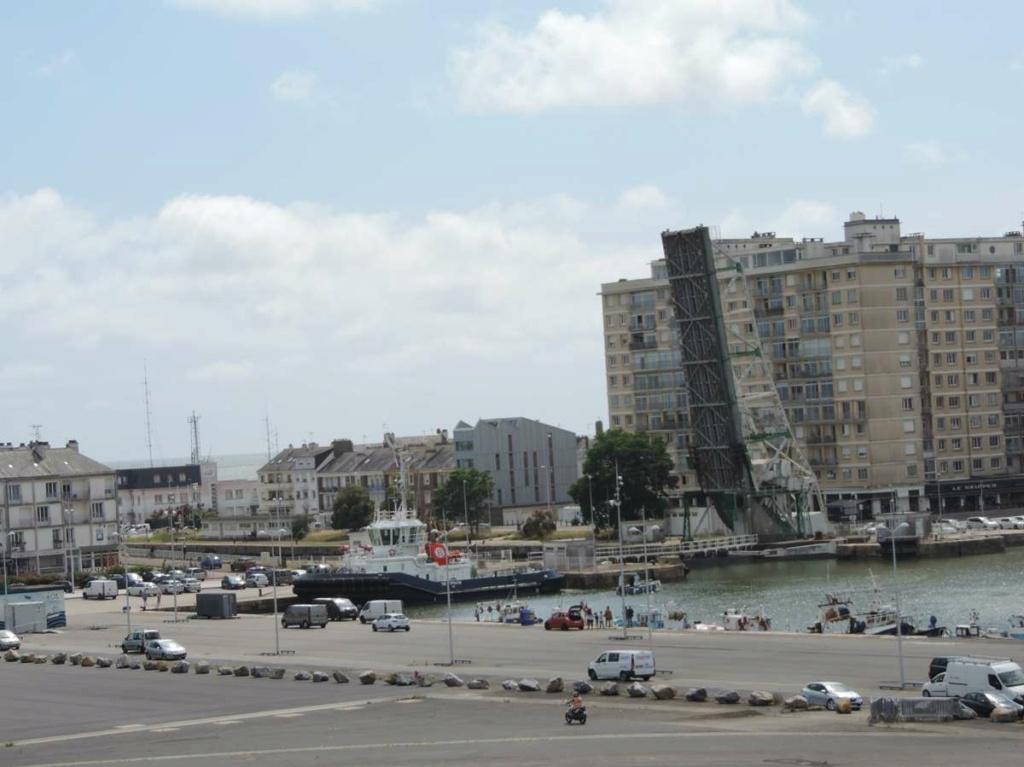 [Vie des ports] Port de Saint Nazaire - Page 8 Dscn2801