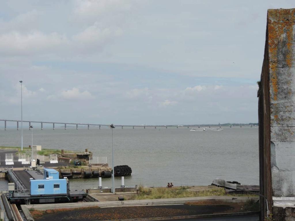 [Vie des ports] Port de Saint Nazaire - Page 8 Dscn2814