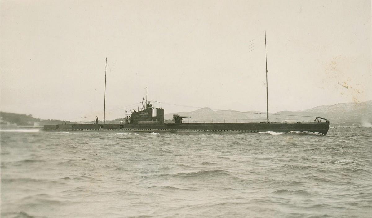 """[ Blog visiteurs ] Mon grand-père Sous-Marinier sur """"Le tonnant"""" en 1938, à bord en Extrême-Orient. Le_ton10"""