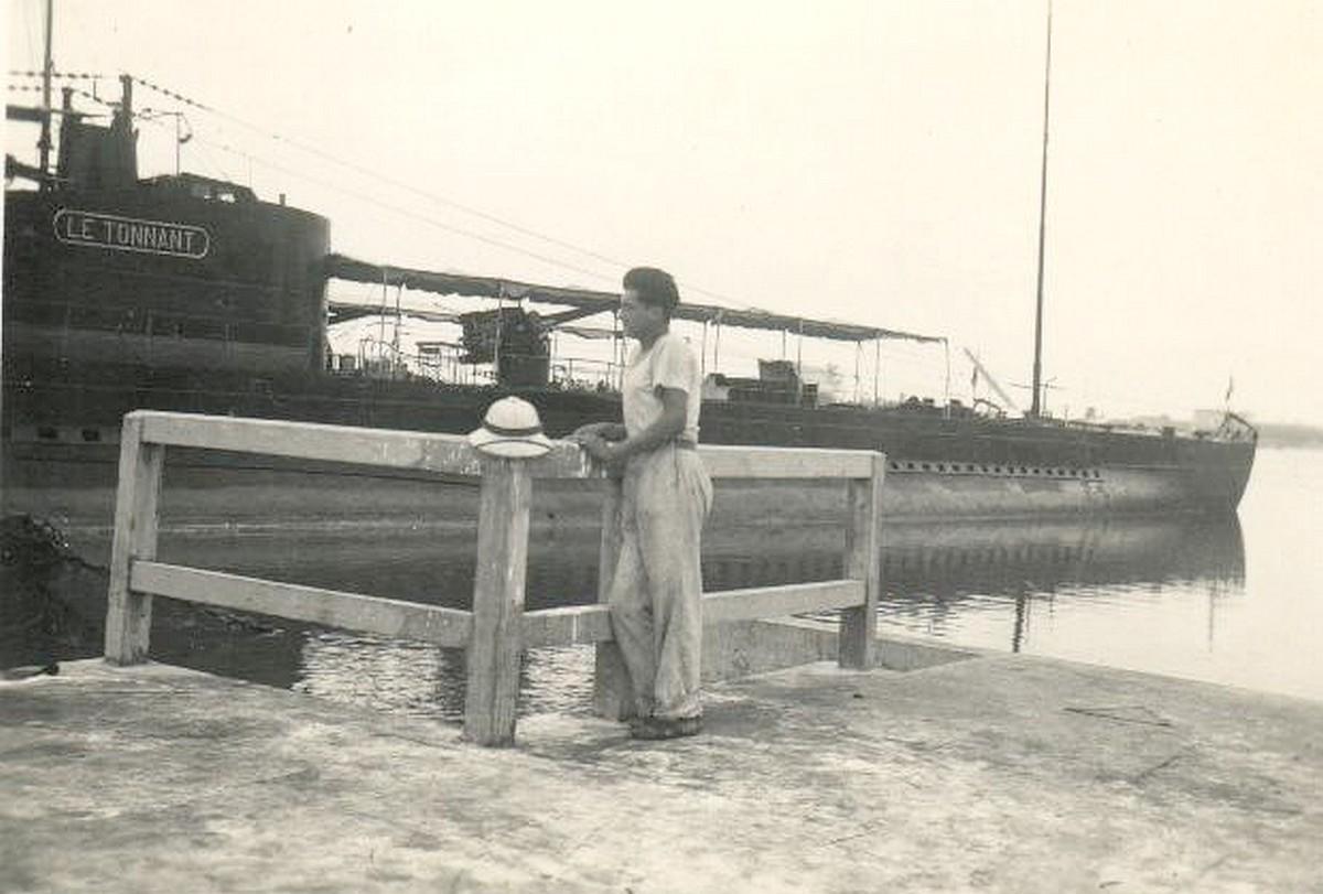 """[ Blog visiteurs ] Mon grand-père Sous-Marinier sur """"Le tonnant"""" en 1938, à bord en Extrême-Orient. Le_ton11"""