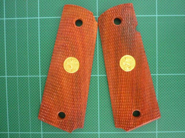 Plaquettes (Grips) sur Ebay Plaque10