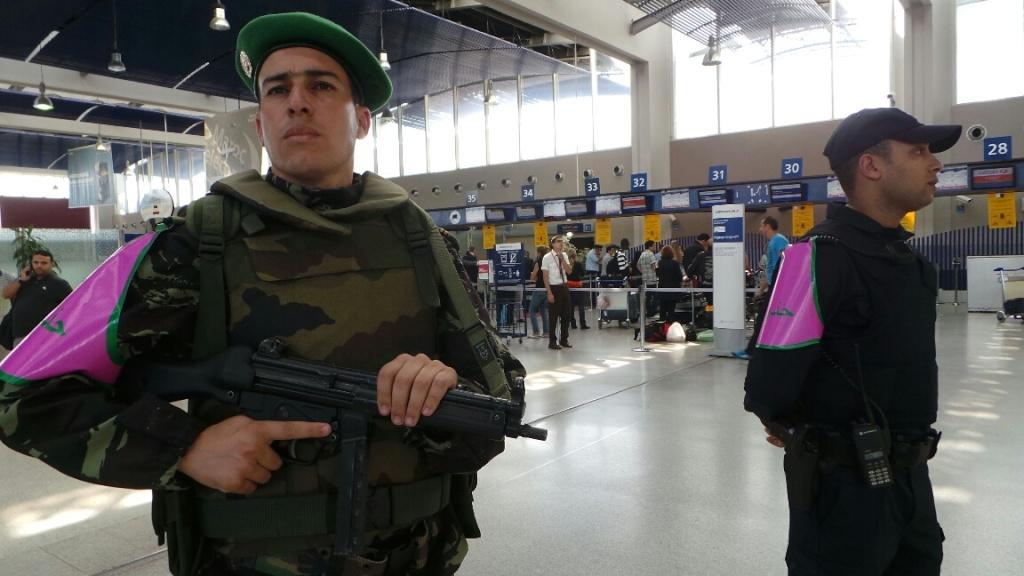 Photos de nos soldats et des Bases Marocaines - Page 2 7610