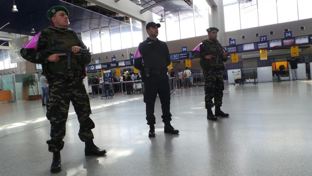 Photos de nos soldats et des Bases Marocaines - Page 2 9410