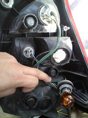 Additional tail light double contact bulb. Dsc00712
